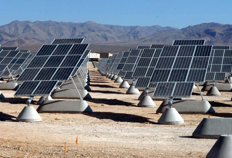 impianto-solare-nel-desrto-del-gobi